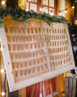 Location decoration cadre bois jute